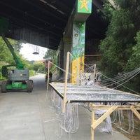 Das Foto wurde bei Atlanta BeltLine Corridor under Highland Ave. von Sam S. am 9/8/2016 aufgenommen