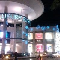 Foto tomada en Kukulcan Plaza por Aileen S. el 12/2/2012