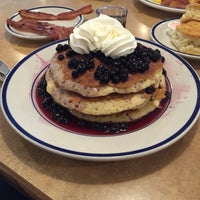 Photo taken at Bob Evans Restaurant by Gilbert H. on 12/31/2014