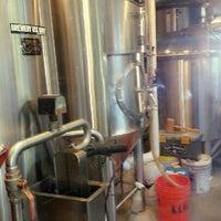 Foto tirada no(a) Karl Strauss Brewing Company por Noreen G. em 10/25/2012