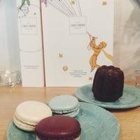 Foto scattata a Chez Dodo - Artisan Macarons & Café da Lilla V. il 12/21/2017