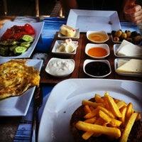 4/14/2013 tarihinde Cihan D.ziyaretçi tarafından Cafe Marin'de çekilen fotoğraf