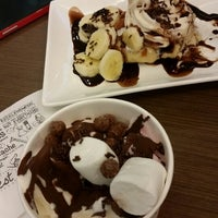 Photo taken at Tutti Frutti by Francine Y. on 9/29/2014