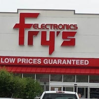 Photo taken at Fry's Electronics by Roy H. on 6/15/2013