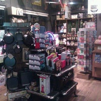 Photo taken at Cracker Barrel Old Country Store by Roy H. on 1/29/2013