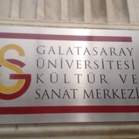 Photo taken at Galatasaray Kültür Ve Sanat Merkezi by Seyit Kadri D. on 6/10/2015