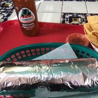 3/29/2017에 Nadyne R.님이 El Super Burrito에서 찍은 사진