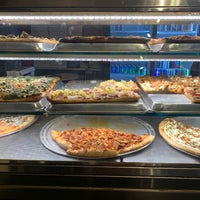 Foto tirada no(a) Champion Pizza por Nadyne R. em 10/10/2018
