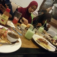 Photo taken at A Malaysian Bistro by Zulaikaa S. on 5/13/2015