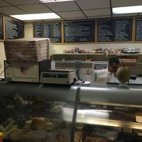 Photo taken at Fratelli's Deli Salumeria Catering by Axel L. on 8/16/2016