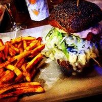 Foto scattata a Al Mercato Ristorante & Burger Bar da Giorgia C. il 1/21/2015