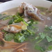 Photo taken at Yeng Kee Noodle House by Denice T. on 8/24/2014