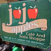 Photo taken at JoJo Apples Cafe & Soda Shoppe by Steven D. L. on 5/27/2013