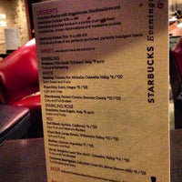 1/11/2013 tarihinde Griffin K.ziyaretçi tarafından Starbucks'de çekilen fotoğraf