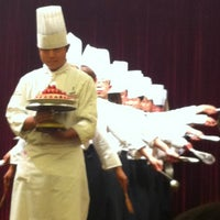 Photo taken at Circle Restaurant @ Parkyard Hotel Jiaxing by Global Chef on 2/22/2013