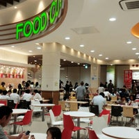 Photo taken at 天下一品 アルプラザ城陽店 by 竹ヤン RVF400 ア. on 10/1/2015