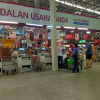 Photo taken at LotteMart Wholesale by Hendra J. on 9/3/2016