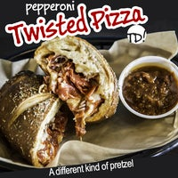 Foto tomada en Twisted Doh! Pretzels & Coffee  por Twisted Doh! Pretzels & Coffee el 11/25/2014