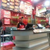 Photo taken at PHD (Pizza Hut Delivery) by Uwie L. on 9/2/2013