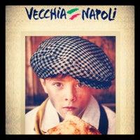 Photo prise au Vecchia Napoli par Cherryl R. le10/18/2012