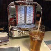 Photo taken at Johnny Rockets by Eduardo M. on 3/29/2014