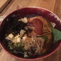 Das Foto wurde bei Jeju Noodle Bar von Christina L. am 12/5/2017 aufgenommen