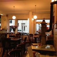 Das Foto wurde bei Café Sehnsucht von Ibrahim E. am 1/10/2013 aufgenommen
