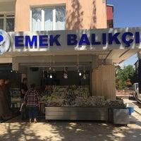 Photo taken at Emek Balıkçısı by Faruk D. on 9/6/2016
