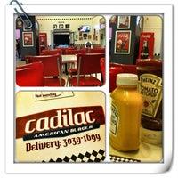 Foto tirada no(a) Cadilac American Burger por Fabio 🍤 em 2/28/2013