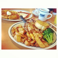 Photo taken at IHOP by Pich C. on 3/20/2013