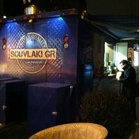 Foto diambil di Souvlaki GR Truck oleh Amy pada 2/14/2013