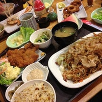Photo taken at Ume Tei Japanese Restaurant by Michelle 💖 B. on 9/20/2012