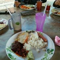 Photo taken at Restoran Laksa Kuala Perlis by Fatin N. on 10/30/2016