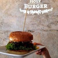 รูปภาพถ่ายที่ Holy Burger โดย Holy Burger เมื่อ 9/27/2014