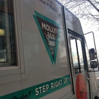 Photo taken at Molly's Milk Truck by Nirav P. on 4/10/2013