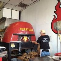 Foto scattata a Pupatella Neapolitan Pizza da Doris T. il 3/16/2013
