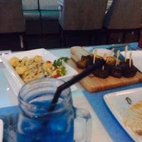 Foto scattata a I Wish Grill & Cafe da AbdulRahman .. il 10/27/2014