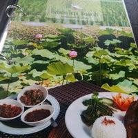 Photo taken at Bebek Tepi Sawah Restaurant & Villas by Agus S. on 1/22/2015