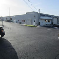Photo taken at Sunshine Collision Center by Rex C. on 9/29/2014