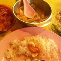 Photo taken at Restoran Waneeda Tomyam by Tengku Nur Aishah on 11/18/2012