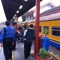 Photo taken at Stasiun Kemayoran by Diky T. on 10/10/2012
