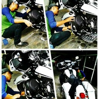 Photo taken at Quantum Car Care by Iqa A. on 1/28/2014