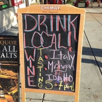 Foto tomada en Sherry's Wine & Spirits por Andrew Vino50 Wines el 9/13/2014