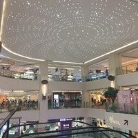 Photo taken at Shunlian International Shopping Center 顺联国际购物中心 by Diellza S. on 10/14/2016
