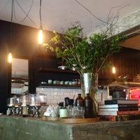 Photo prise au Sitka Restaurant par spunky w. le4/14/2014