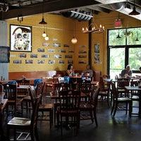 Foto tirada no(a) Bouldin Creek Café por Bouldin Creek Café em 8/31/2016