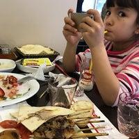 3/12/2017 tarihinde Tülay A.ziyaretçi tarafından Şişko Çöp Şiş Restaurant'de çekilen fotoğraf
