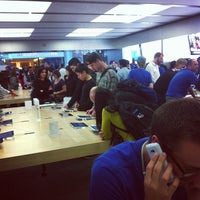 Photo taken at Apple Store by Ms. e. on 9/22/2012