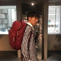 10/7/2017にTaishiro A.がadidasブランドコアストア 新宿で撮った写真