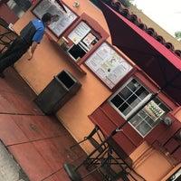 Снимок сделан в Taco Rey Taco Shop пользователем Didi F. 7/28/2017